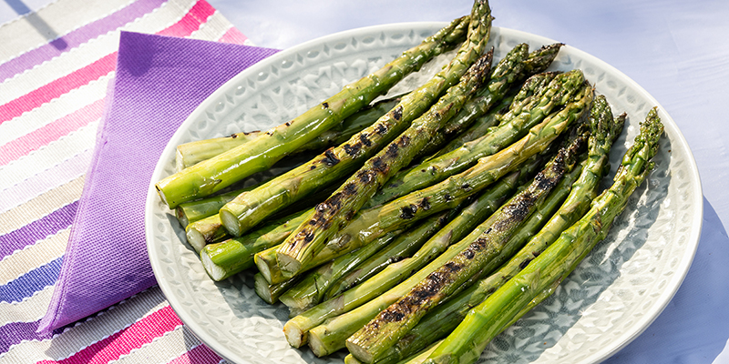 EAT ME koude recepten - Gegrillter grüner Spargel