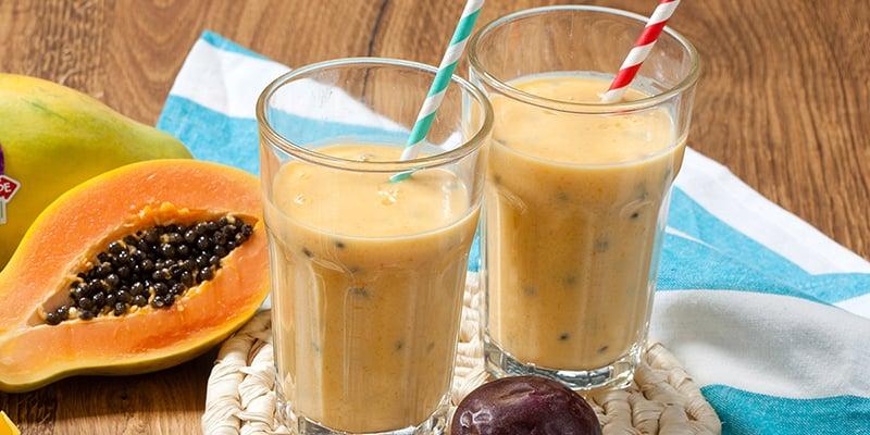 EAT ME- Passionsfrucht-Smoothie mit Mango und Papaya
