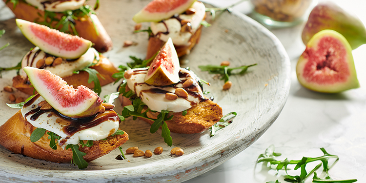 EAT ME bruschetta with figs