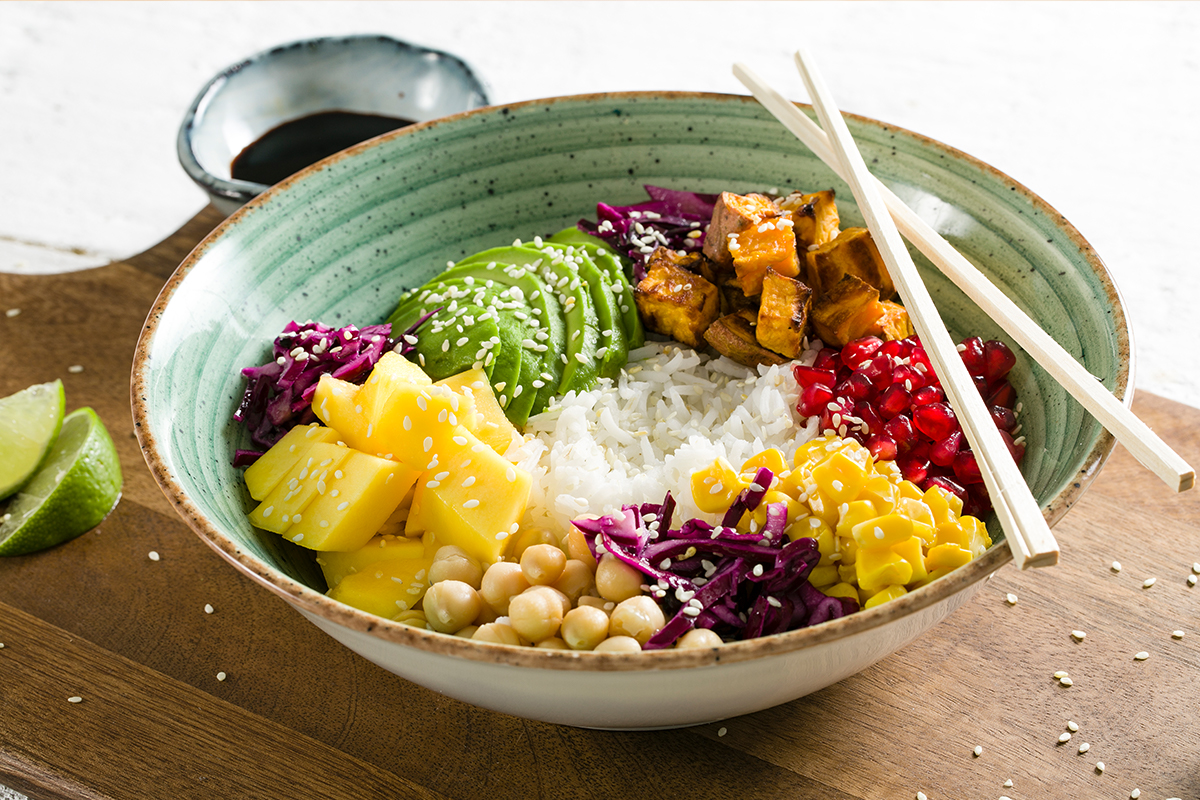 Avocado - Poké bowl met mango, avocado en zoete aardappel