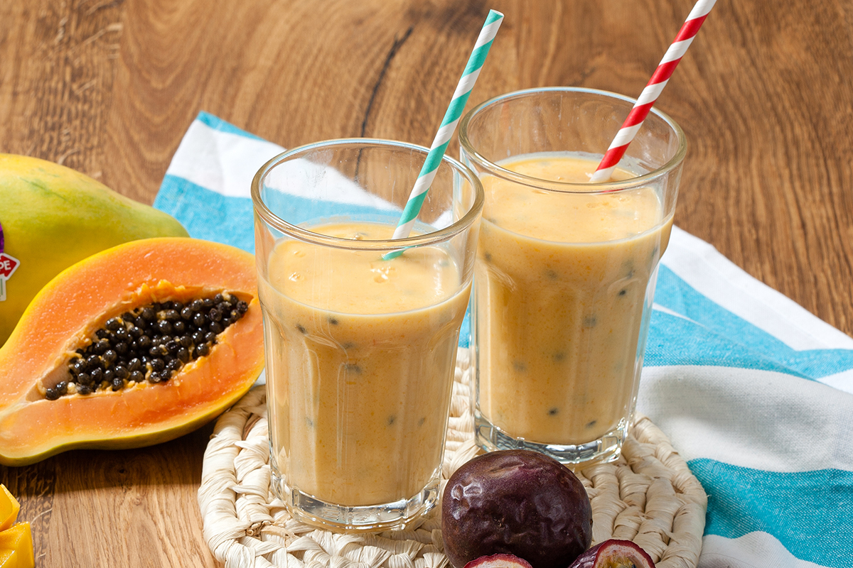 Mango - Passievrucht smoothie met mango en papaja